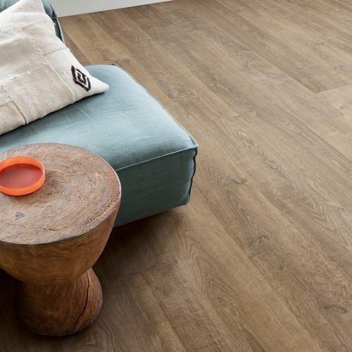 quick-step-eligna-laminate-flooring-riva-brown-oak-lifestyle