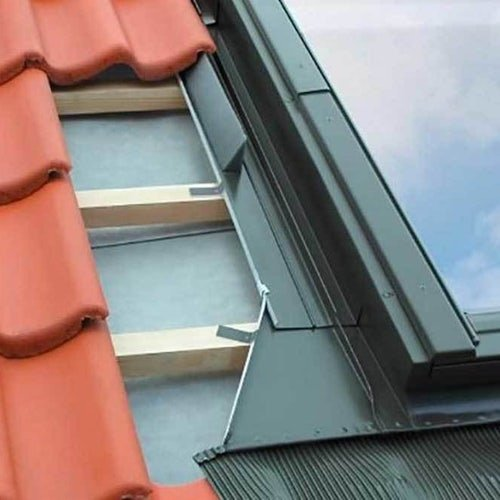 fakro-b1-2-vertical-twin-flashing-tiled-roof