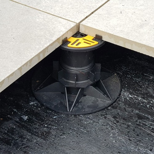 wallbarn balance adjustable self levelling pedestals for paving