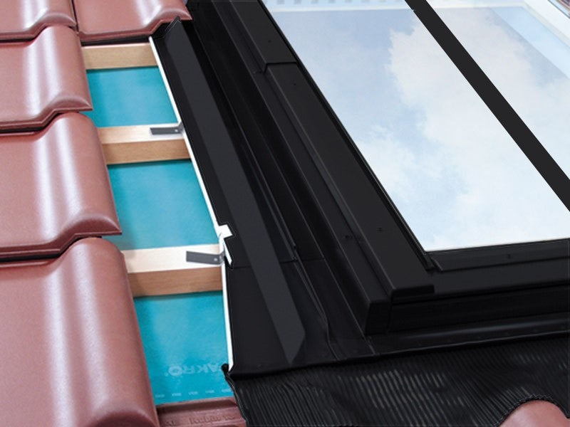 FAKRO EZV-A/C B1/2/01 Vertical Twin Conservation Flashing For Up To 45mm Interlocking Tiles - 55cm x 78cm