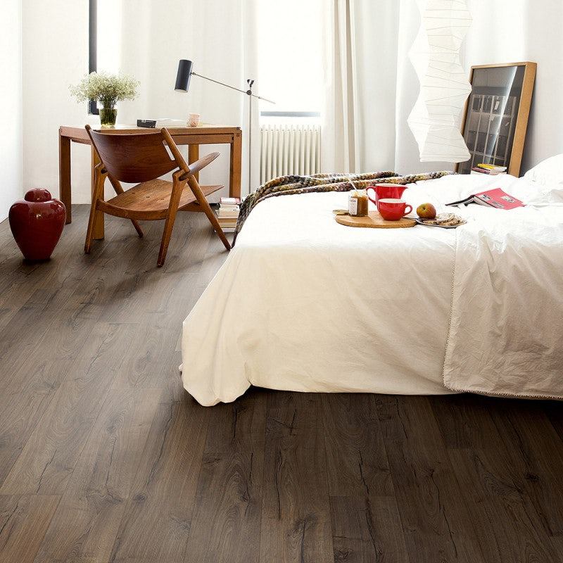 Quick-Step Impressive Ultra Oak Laminate Flooring Classic Brown Oak