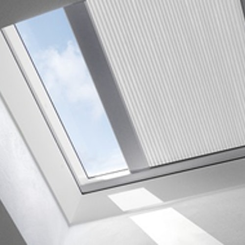 VELUX FMK 100150 1045 Electric Light Dimming Energy Blind - White
