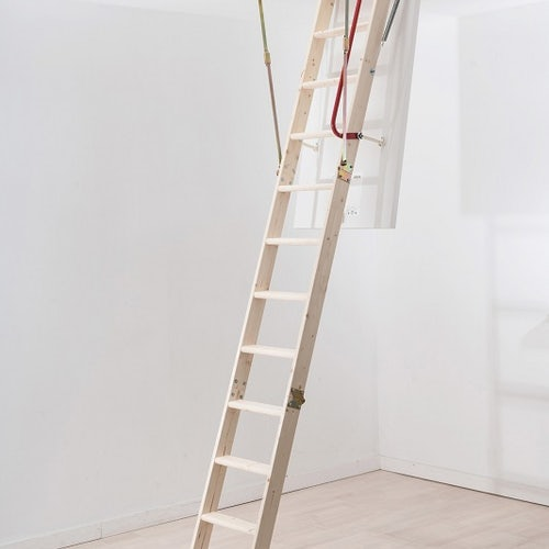 werner-76105-hideaway-timber-lift-ladder-secondary-3