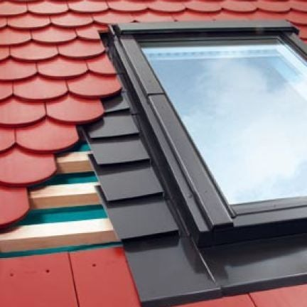 EPV/02 Fakro Single Flashing For Plain Tiles Up To 15mm - 55cm x 98cm