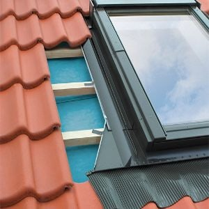 FAKRO EHW-A/C/04 Side Hung Conservation Escape Window Flashing For Up To 90mm Interlocking Tiles - 66cm x 118cm