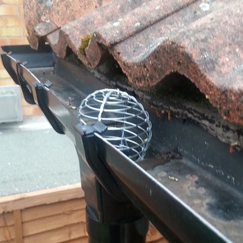 Galvanised Wire Balloon Leaf Guard for Gutters - 63mm