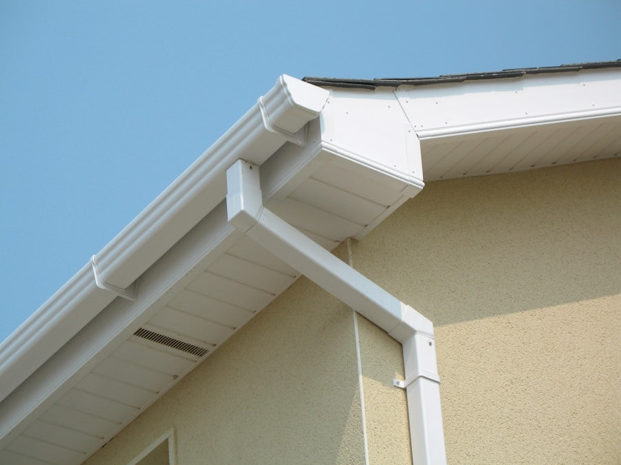 Upvc 250mm Fascia Board 10mm Cappit Square Edged 5m