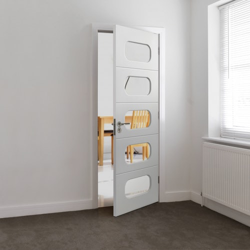 internal-white-primed-arcadian-glazed-door-lifestyle
