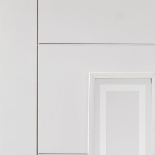 internal-white-primed-barbican-glazed-fire-door-close-up