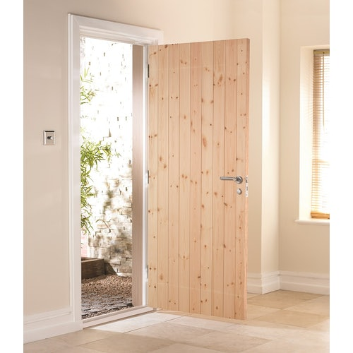 ledged-and-braced-external-door-lifestyle